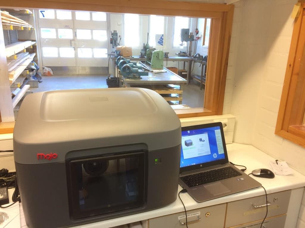 Veikkolan koulun Mojo 3D-tulostin